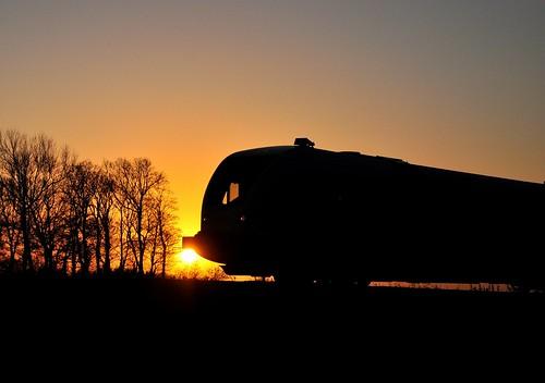 sunset sun backlight train mood silhouettes henk usquert nikond90 powerfocusfotografie