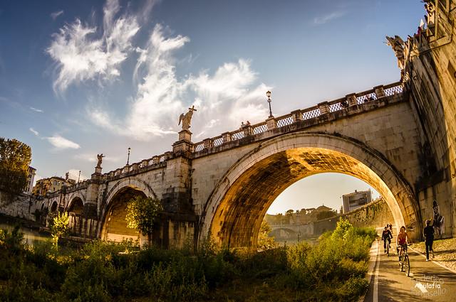 Ponte Sant'Angelo / Holy Angel Bridge