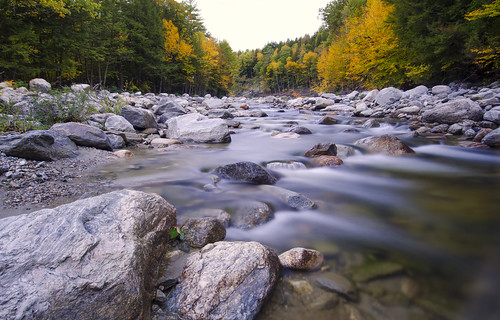 longexposure color water leaves river stream vermont newengland fallfoliage
