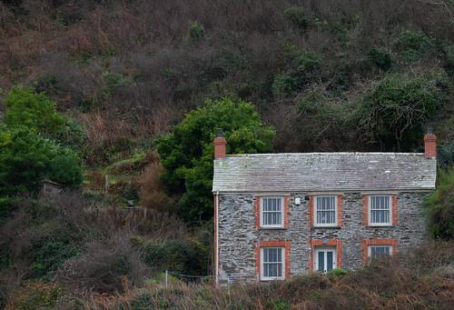 england comedy cornwall cottage location surgery isolation hillside portisaac docmartin tvseries martinclunes portwenn rosscarrockhill
