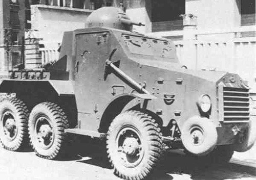 "French armored car ""Laffly S15 TOE"""