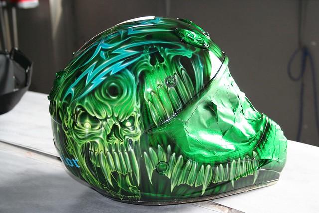 skull helmet  julio's custom airbrush art