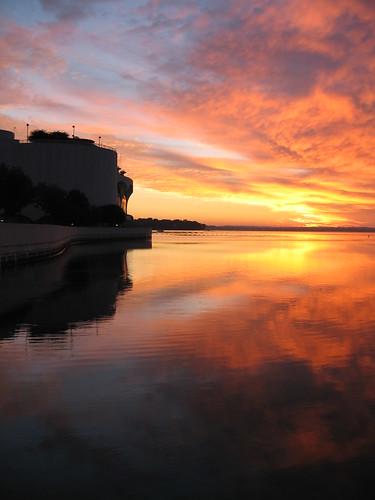 morning red sky lake wisconsin sunrise geotagged terrace madison moment magical monona babel geolon893820489615 geolat430701529499