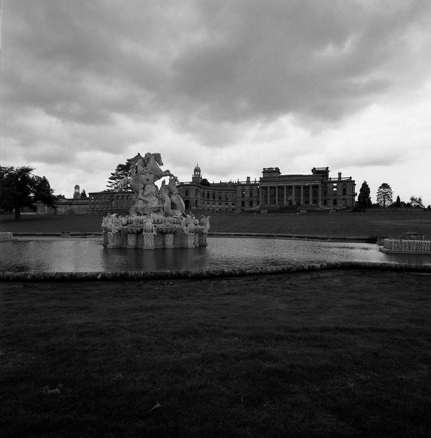BWneg1005_ Facade of Witley Court