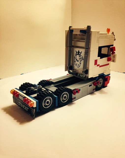 An attempt at a Lego scania