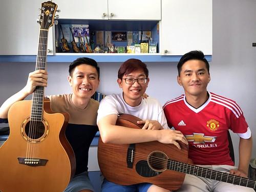 Group guitar lessons Singapore Jin Xun Jin Ming