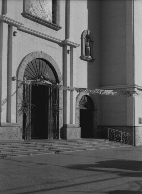 La Puerta modestamente ornamentada (RRIIISep15010)