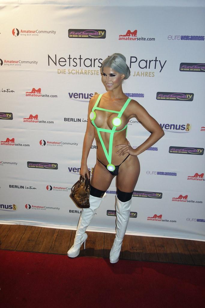 Netstars Awards 2015 Red Carpet Micaela Sch 228 Fer Dj