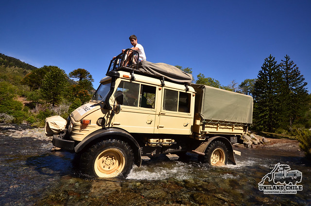 Crossing a river with unimog