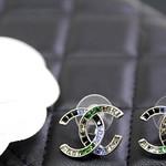 Chanel Earrings 紅紫 藍綠拼色漸層水晶 CC 耳環6