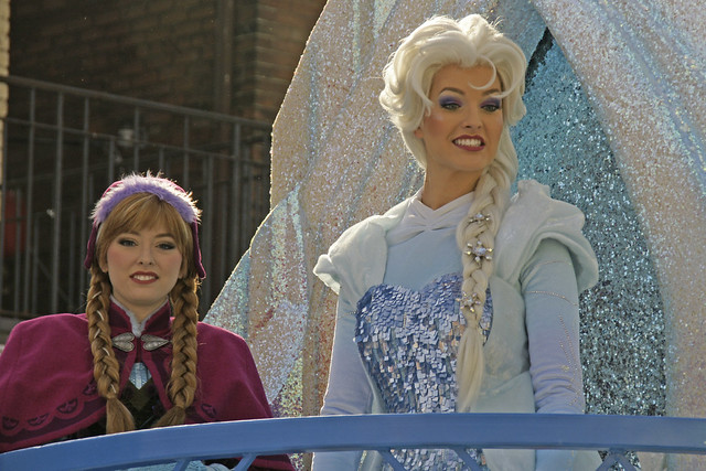 Anna and Elsa on Frozen Float