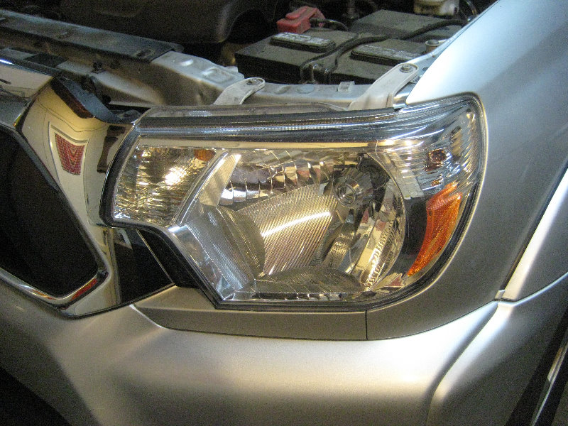 2005-2015 Toyota Tacoma Headlight - Low / High Beam, Front