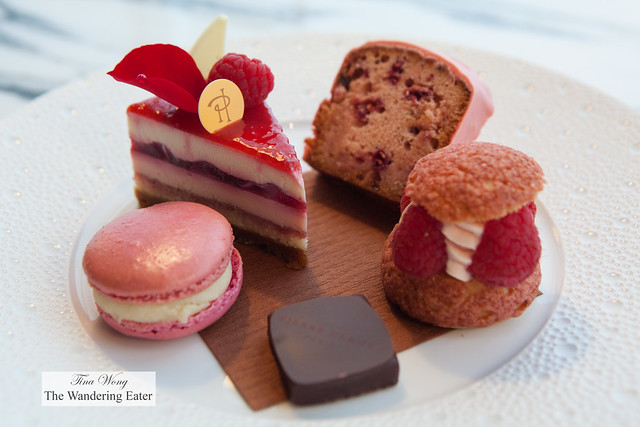 Plate of Fetish Ispahan