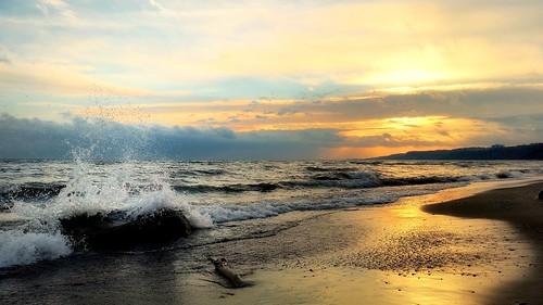 sunset splash scarborough