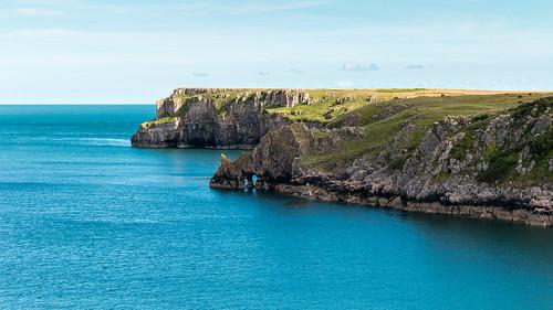 Sea arches at Barafundle Bay