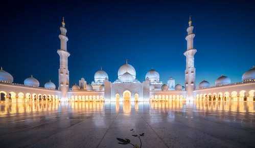 abudhabi grandmosque sheikhzayed uae architecture bluehour religion white