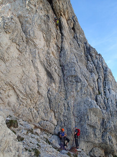 Simon on the last pitch (P14) of Spigolo Jori, Punta Fiames, Dolomites