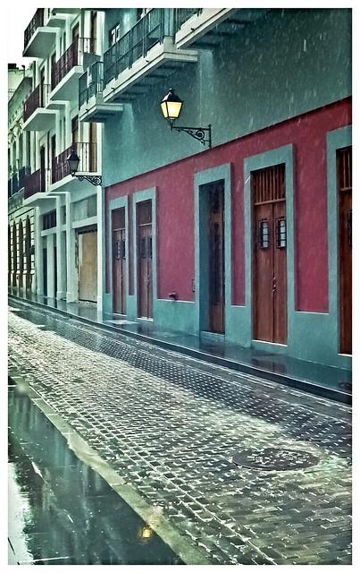 LLoviendo en San Juan (Raining in San Juan)