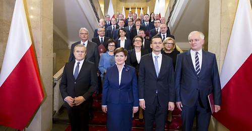 Pierwszy dzień nowego rządu | by Kancelaria Premiera