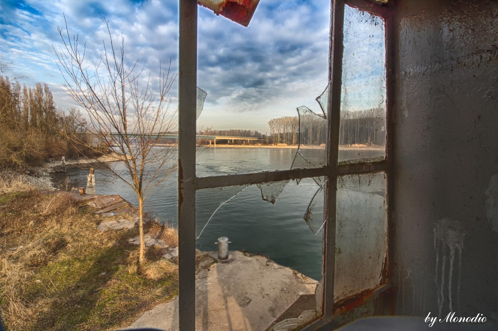 Die alte Schiffswerft am Rhein