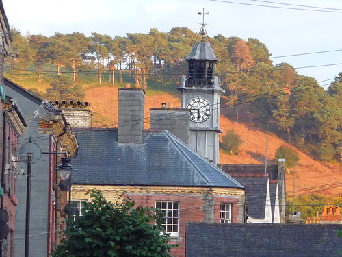 autumn wales evening countryside roofs autumncolours townscape llanidloes eveninglight midwales