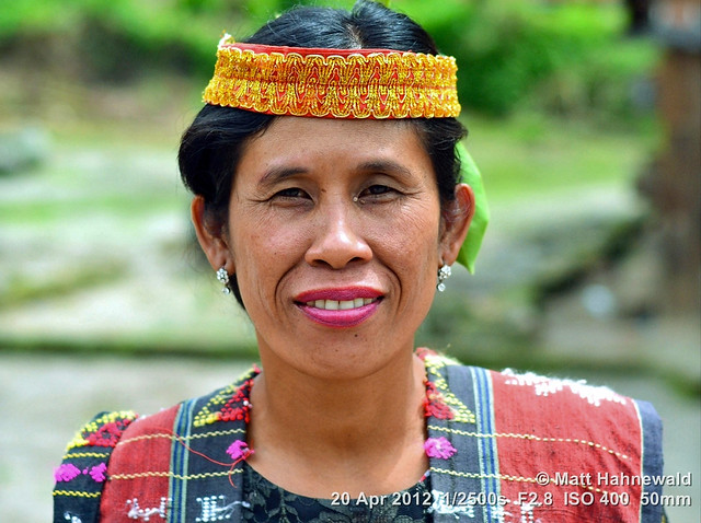 2012-04a Batak Dancers from Lake Toba (01)