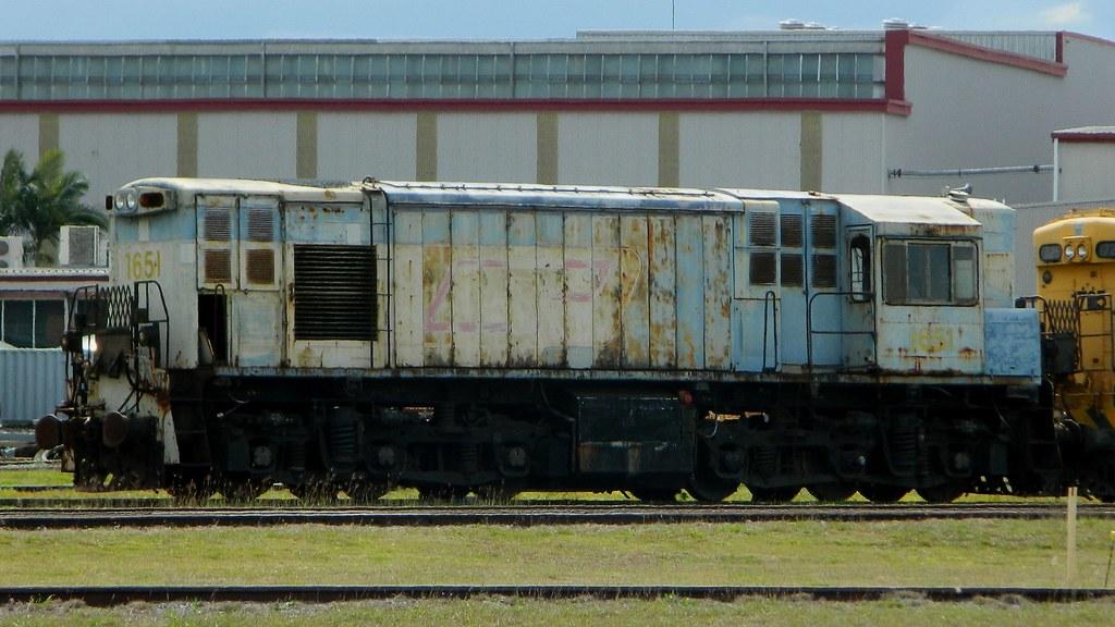 Queensland Rail Heritage - 1651 by Shawn Stutsel