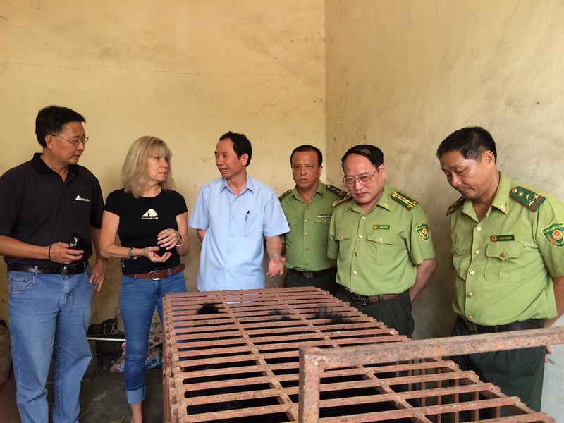 L to R: Animals Asia's Vietnam Director Tuan Bendixsen, founder and CEO Jill Robinson MBE, and FPD staff are meeting Hercules