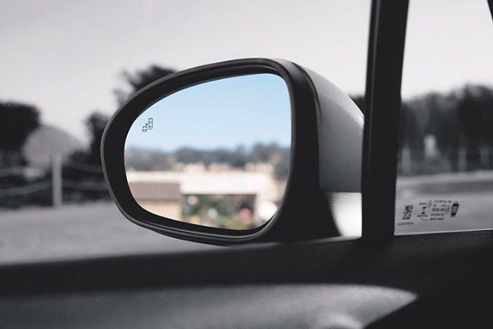 Leave worries behind with available Blind Spot Monitoring on the FIAT® #500X crossover. #🚗 #FIAT #FIATUSA #Ciaobaby #FIATlove #500Love #FIATfamily #Italian #CarPorn #CarsWithoutLimits #ItalianStyle #ItalianCar #crossover #cars #auto #ca