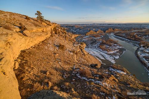 billings montana fourdancesrecreationarea blm winter february evening sunset sunny sunshine clouds blue sky cliffs yellowstoneriver water flowing nikond750 irix15mmf24 island snow windy scenic view ice icy