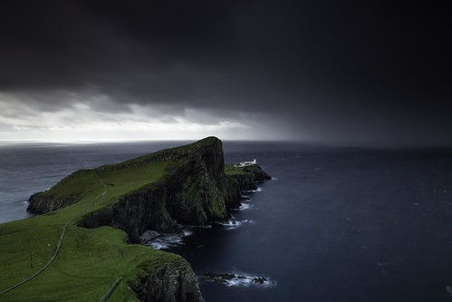 uk lighthouse storm water landscape scotland isleofskye scottishhighlands neistpoint canoneos6d