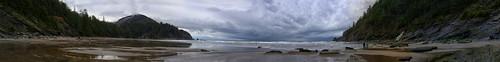 ozwald beach coast water ocean sky clouds panorama reflection dog waterfall oregon canon rain trip adventure