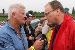 Jaap van Deurzen (RTL4) interviewt Ton Heerts (FNV) - Zorgdemonstratie 'Red de Zorg' in Amsterdam
