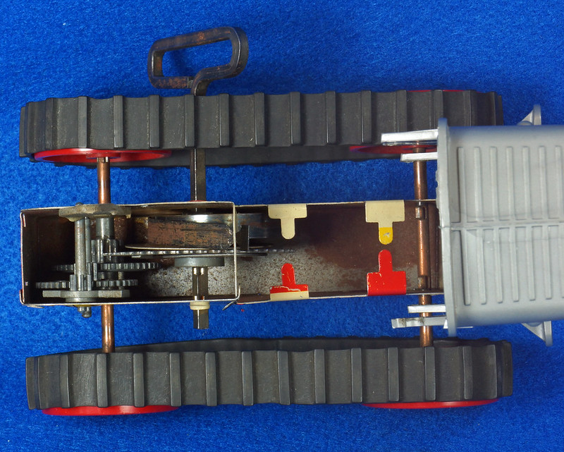 RD9481 Vintage Marx Toy Diesel Tractor Wind Up DSC06254