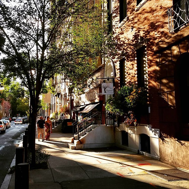 September light on Spruce Street. #evening #philly #magichour #shadows #phl #rittenhouse