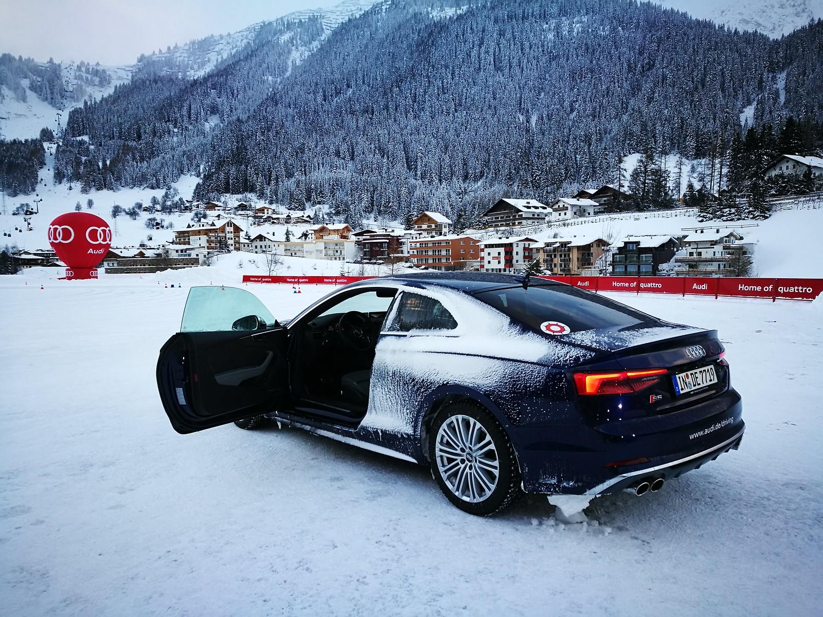 Audi S5 in the snow