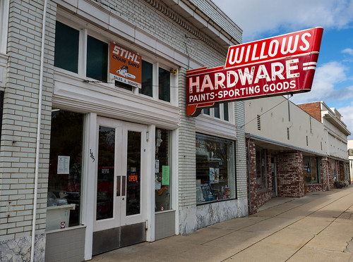 Willows Hardware