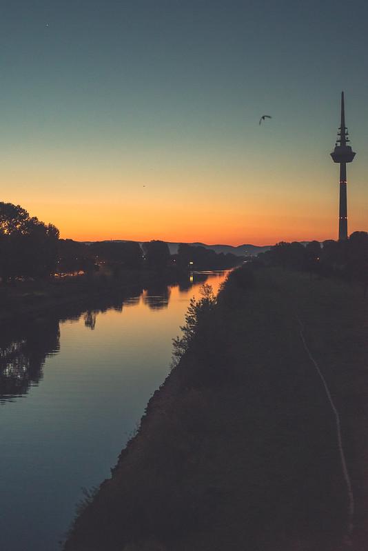 Fernmeldeturm & Neckar