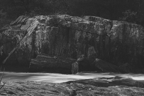 longexposure blur rock wisconsin river landscapes time boulder erosion flowing geology subjects eauclaire countypark metamorphic gneiss geologic foliation bigfalls