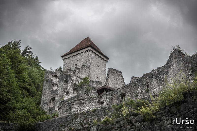Grad Kamen v Dragi