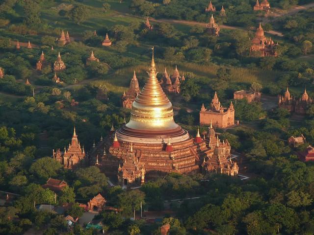 Templos de Bagan desde el aire (Tesoros de la arqueología que ver en el Sudeste Asiático)