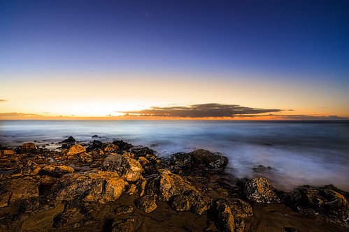 ocean morning travel sun water night zeiss sunrise island coast spain long exposure time little stones lanzarote filter lee canary stopper distagon sw150 canon5dsr 5dsr