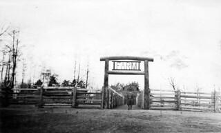 Farm area at Woodland Park Zoo, 1934