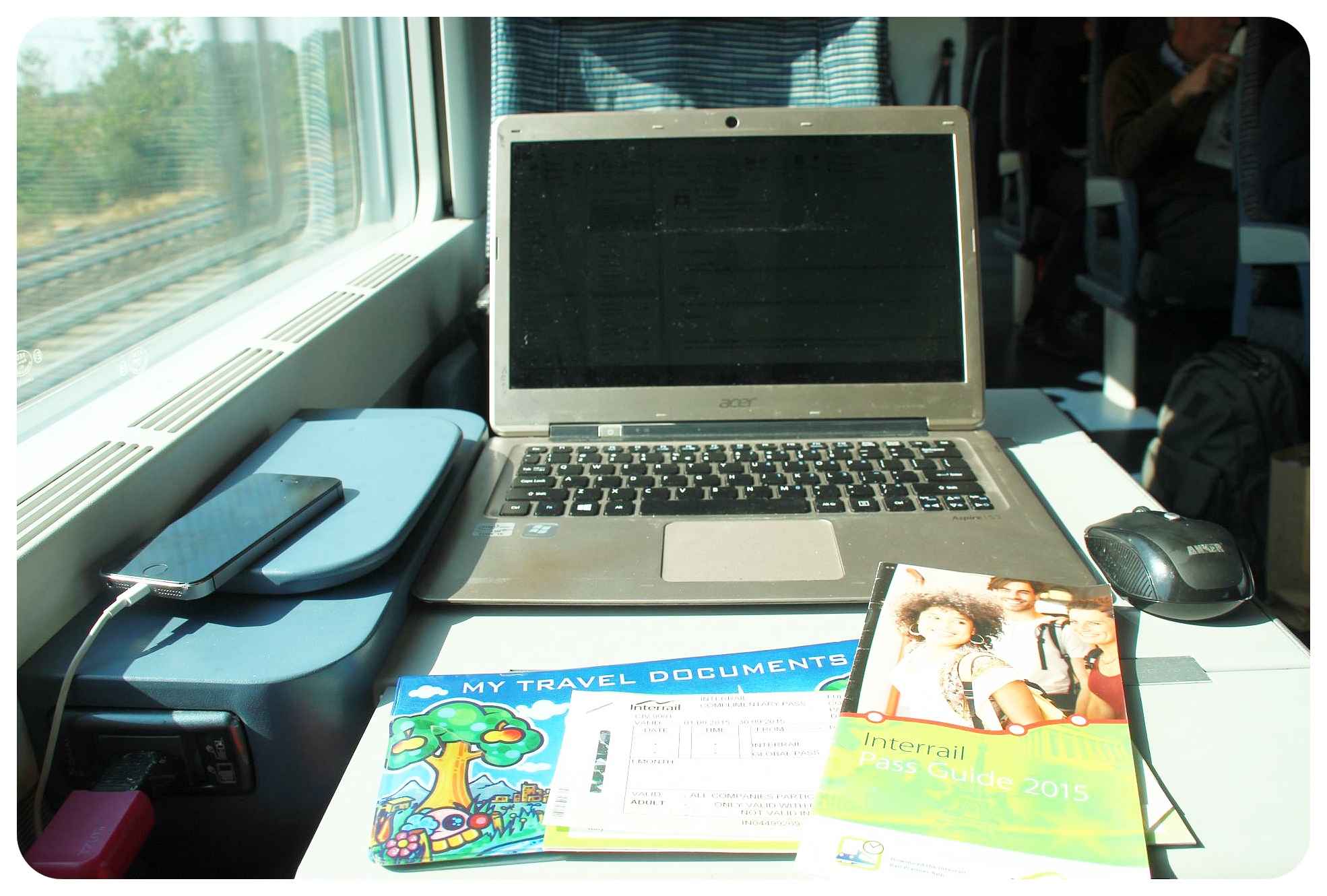 working online while traveling