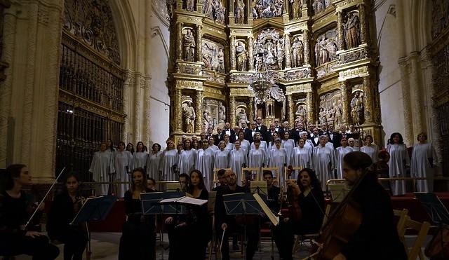 Burgos. Requiem . Coro Francisco Salinas.