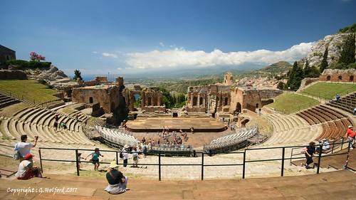 italy sicily taormina amiptheathre roman columns panorama nikon d5300 ancient ruins tourists theatre greek