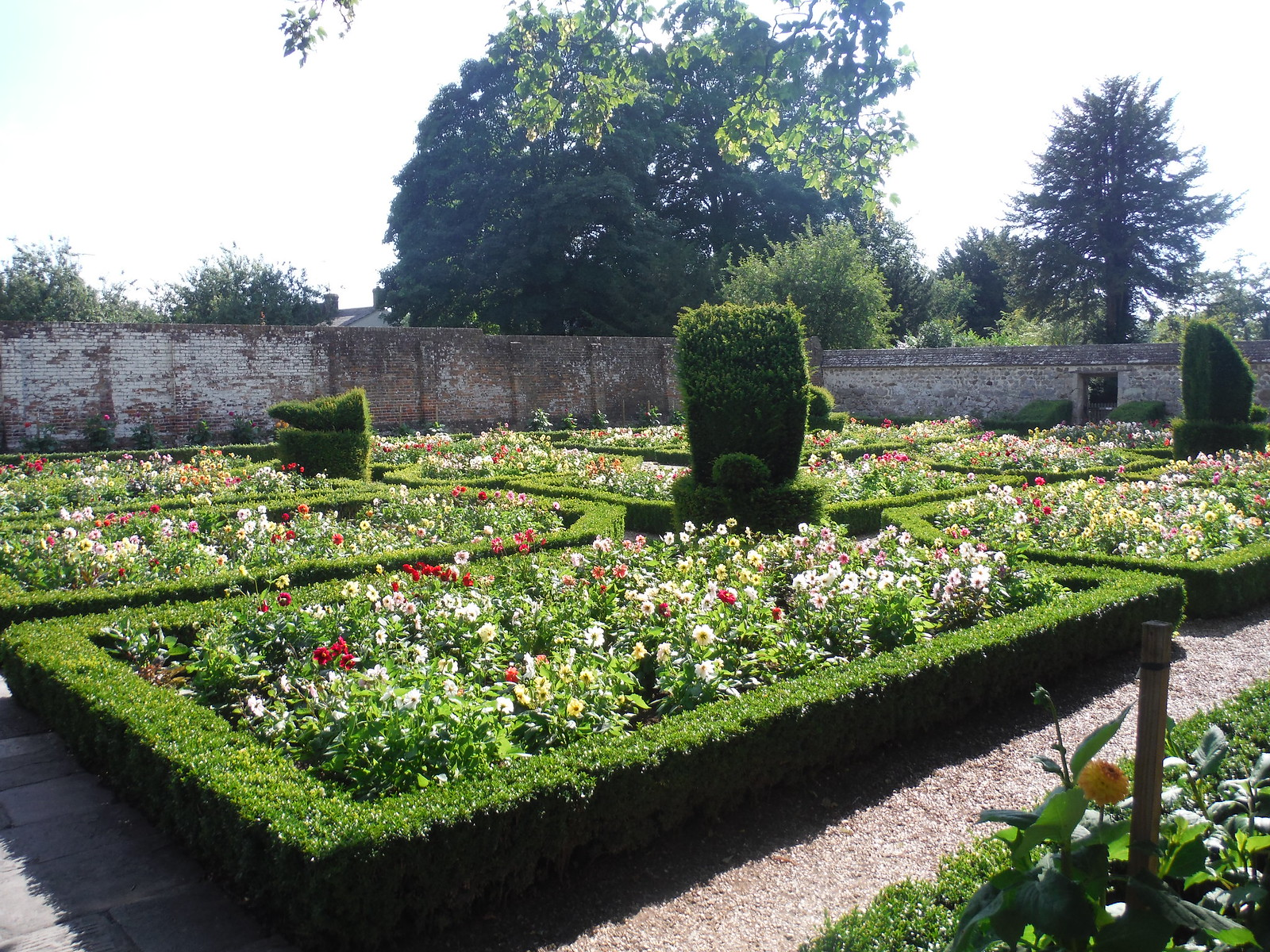 Avebury Manor House Garden SWC Walk 255 Pewsey or Marlborough Circular via Avebury