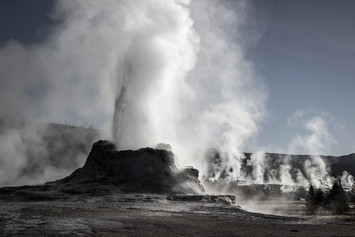 park morning castle steam national yellowstone wyoming geyser
