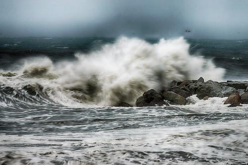 olas rompeolas rocas temporal viento cielo mar airelibre naturaleza nature sonya77