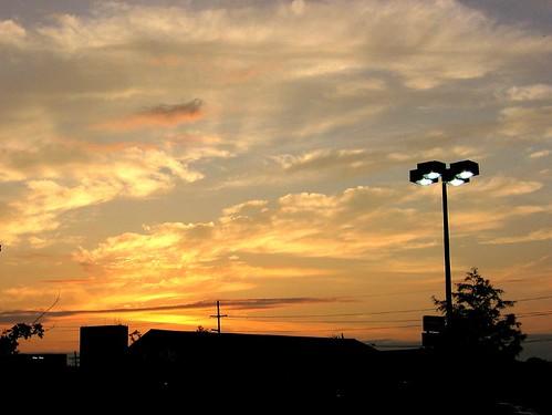 morning sky urban clouds sunrise catchycolors streetlight louisiana batonrouge urbannature mrgreenjeans gaylon gaylonkeeling